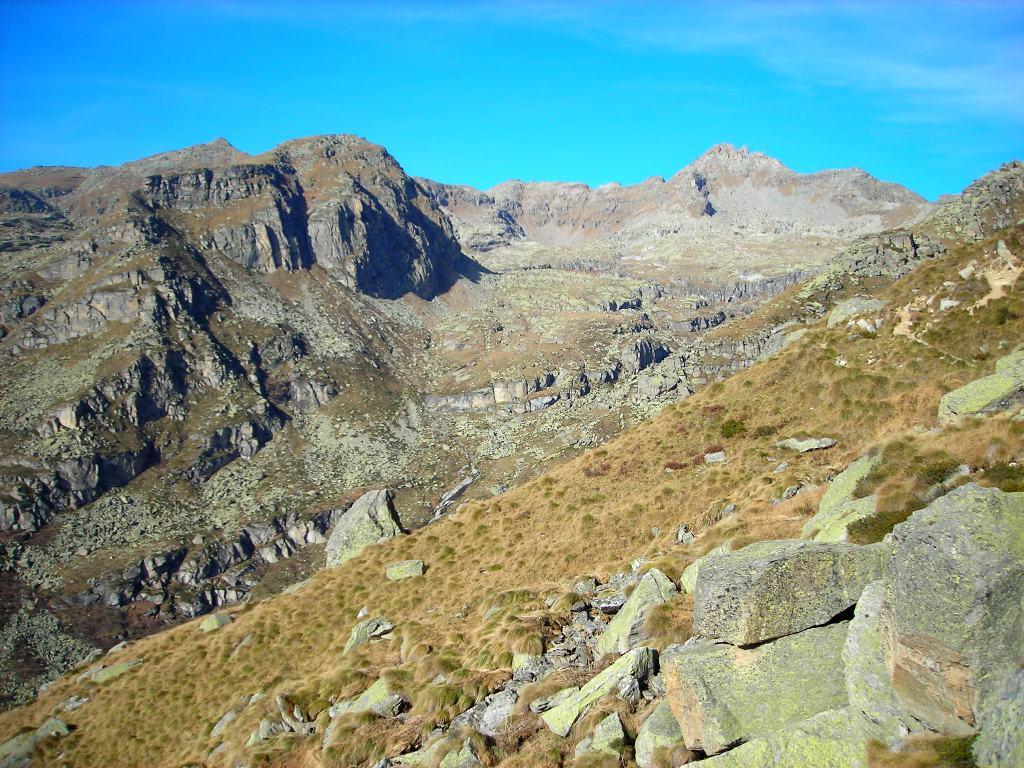 il Vallone di Vassola, dove si notano i gradini di valle