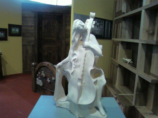 scultura a tutto tondo in stile più moderno