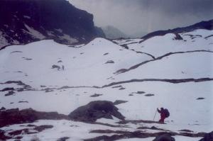 Salendo verso Punta del Rous (2 giugno 2002)