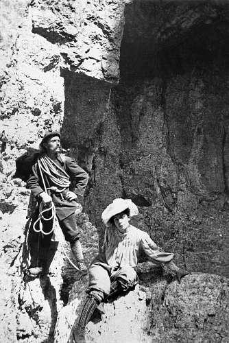 Beatrice Tomasson e la sua guida Arcangelo Siorpaes - 1898 -