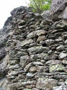 3 Muro di sostruzione della scalinata (768x1024)